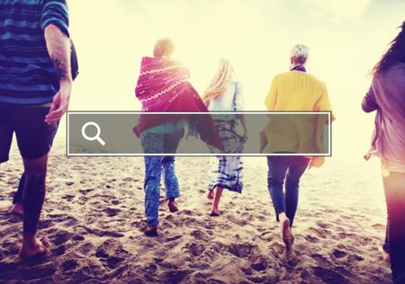 amicizia: Estate Insieme Amicizia cercare concetto del Internet Archivio Fotografico