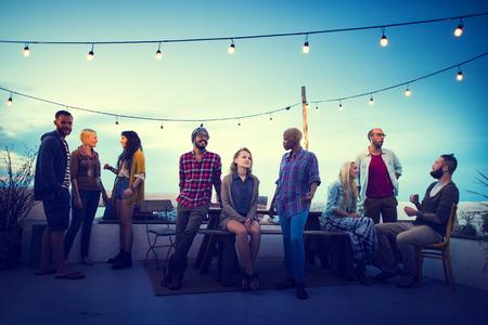 juventud: Diversidad Sundown Beach Roof Charla Top Fun Concept