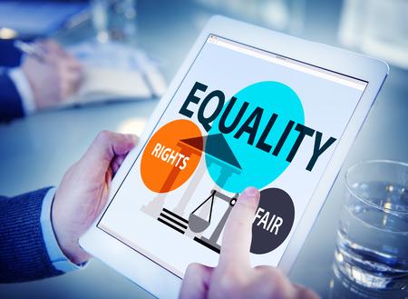 discriminacion: Paridad Igualdad balance de la justicia Feria Concepto Foto de archivo