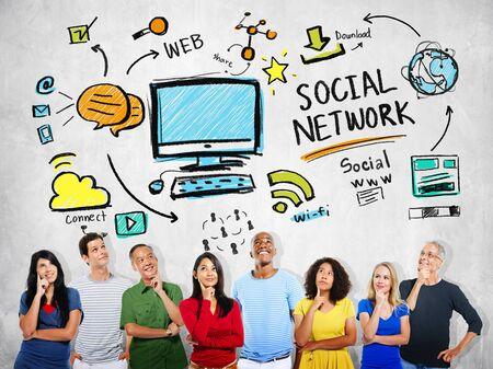 personas pensando: Red Social Social Media Diversidad de pensamiento Concepto