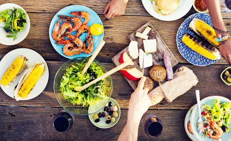 食物: 食品表慶祝黨的美味餐概念