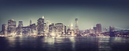 Concetto New York City Panorama Notte Archivio Fotografico - 45626933