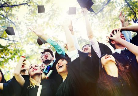 toga y birrete: Diversity Students Graduation Success Celebration Concept
