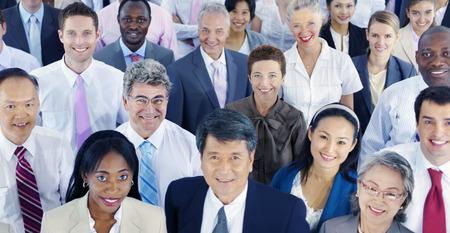 supervisores: Diversos hombres de negocios exitoso concepto Corporativa