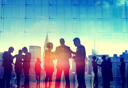 comunicazione: Uomini d'affari Corporate Paesaggio urbano Discussione Communication Concept Archivio Fotografico