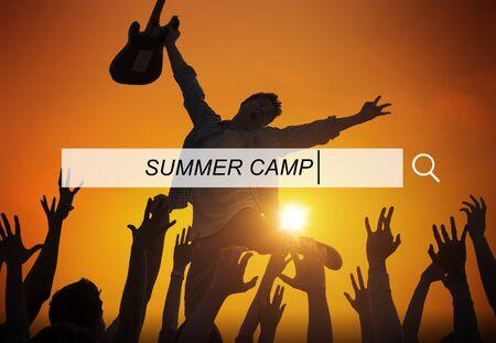 campamento de verano: Summer Camp Vacation Holiday Leisure Happiness Concept Foto de archivo