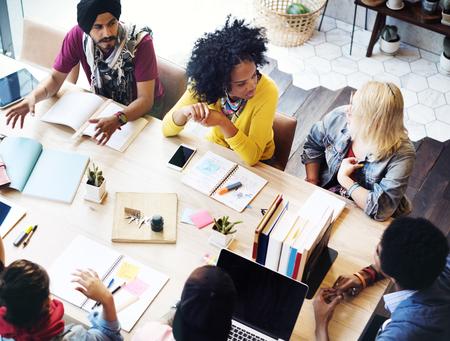 ouvrier: Designer Travail d'équipe Brainstorming Réunion de planification Concept