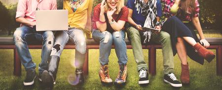 estudiantes: Diversidad Adolescentes Amigos Amistad Equipo Concepto Foto de archivo