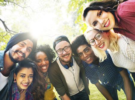 junge nackte frau: Diversity Freunde Freundschaft Mannschaft Gemeinschaftskonzept