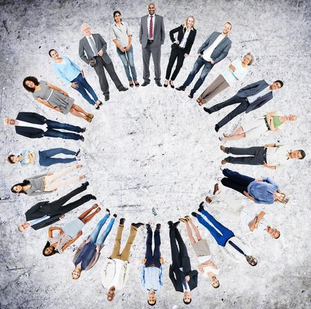 circulo de personas: Multiétnico Personas Comunidad Unidad Unión Concept