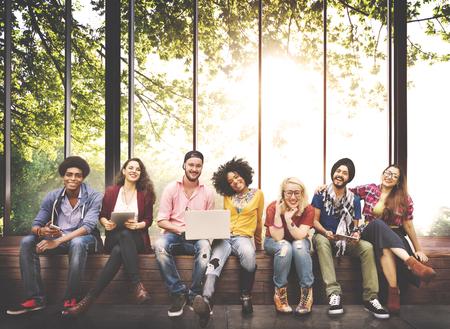 jovenes estudiantes: Diversidad Adolescentes Amigos Amistad Equipo Concepto Foto de archivo