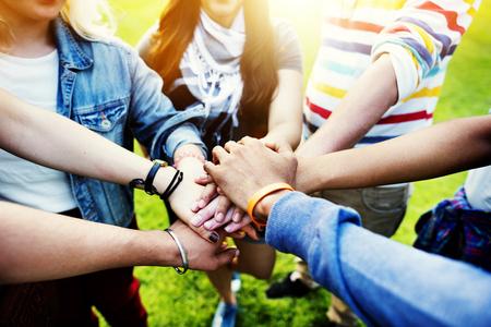 people together: Equipo Trabajo en equipo Relaci�n Juntos Unidad Amistad Concepto