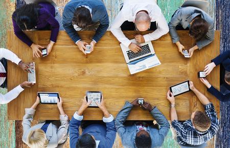 通訊: 通信連接數字設備科技概念