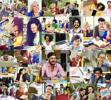 colegios: Diversidad del estudiante universitario dispositivos digitales Trabajo en equipo Concepto Foto de archivo
