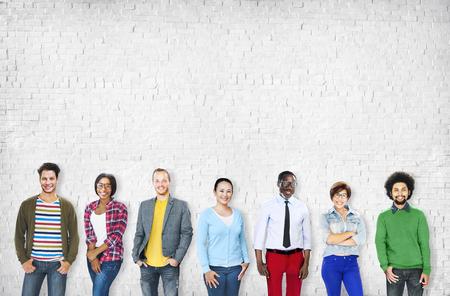 조직: 다양한 민족 비즈니스 직업 명랑 변화 개념