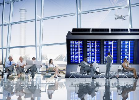 空港飛行機概念を旅するビジネス人々