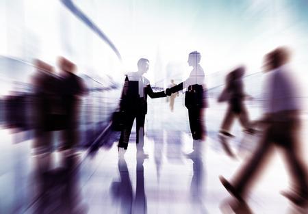 Handshake partnerschapsovereenkomst Zakenmensen Collectieve Concept