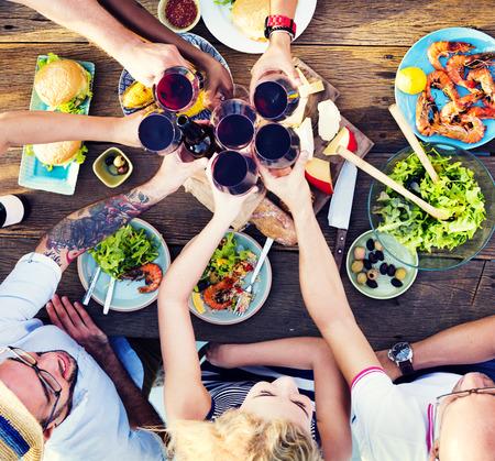 uomo rosso: Cibo, Tavolo Celebrazione Delicious partito pasto Concetto Archivio Fotografico