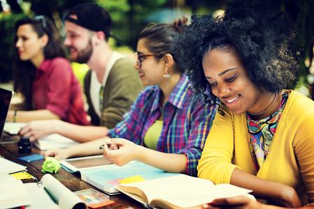 vysoká škola: Kolej komunikačního školství Plánování Studium Concept