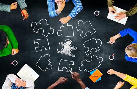 ジグソー パズル接続企業チームワークの概念 写真素材