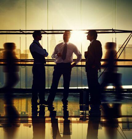 personas hablando: Gente de negocios Reuni�n de Discusi�n Comunicaci�n Concepto