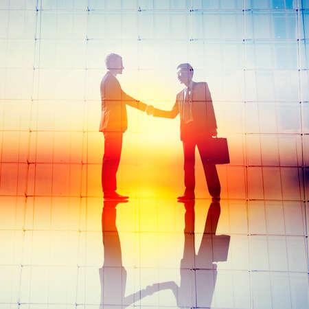 colaboracion: El apret�n de manos de negocios Acuerdo de Colaboraci�n concepto del saludo