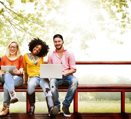 diversidad: Adolescentes Young Team Concept Juntos Alegre