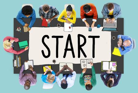 start: Starten Journey Mission Achievement Start Konzept