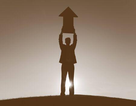crecimiento: Crecimiento del hombre de negocios de éxito Concepto Mejora Desarrollo