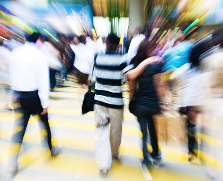 personas caminando: La gente en Hong Kong Cross Concept Caminar