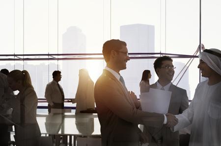 Silhouet Zaken Mensen discussiebijeenkomst Cityscape Team Concept Stockfoto