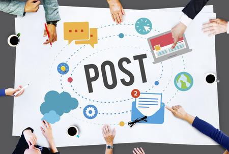 ブログ社会メディアがオンライン通信の概念を共有するポスト 写真素材