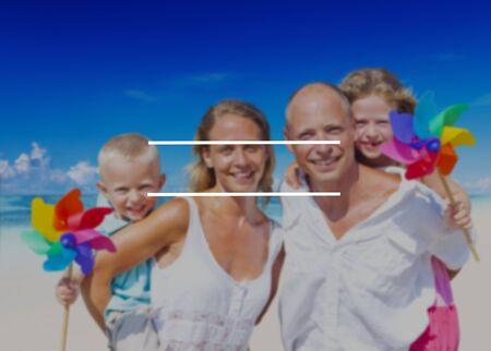 viaje familia: Espacio en vacaciones de verano en blanco Concepto de vacaciones Foto de archivo