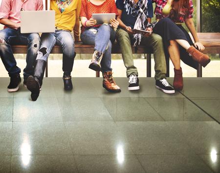 technologie: Jeunesse Amis Amitié Ensemble Technologie Concept Banque d'images