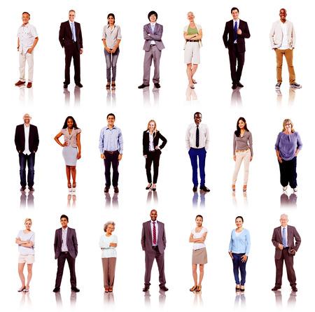 diversidad: Grupo de hombres de negocios multiétnicos Diversos