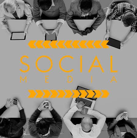 obra social: Red de Social Media Web en línea concepto de Internet