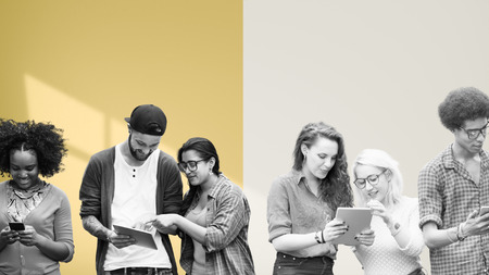 medios de comunicaci�n social: Estudiantes de Educaci�n Aprendizaje de Tecnolog�a Social Media Foto de archivo