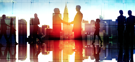 communication: Businessm gens Poignée de main voeux Corporate Communication Concept