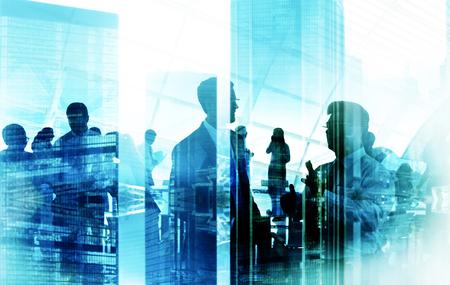 통신: 비즈니스 사람들이 회의 토론 기업 팀 개념