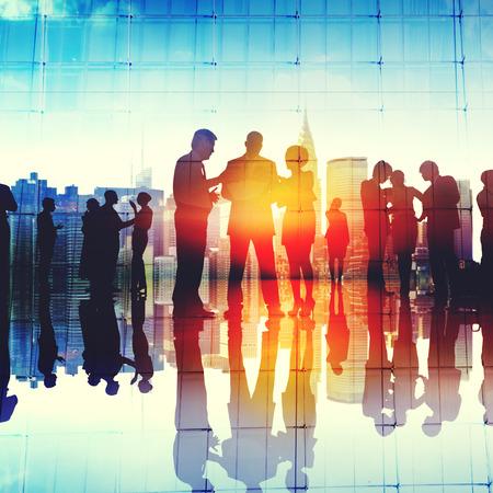 коммуникация: Деловые люди, обсуждение связи Концепция Фото со стока