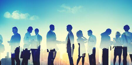saludo de manos: Concepto de negocio Gente Discusión Comunicación del apretón de manos Foto de archivo