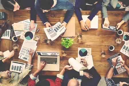 会計チーム ビジネス会議コンセプトのマーケティング分析 写真素材