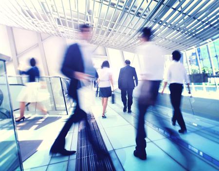 personas caminando: Hong Kong de negocios Personas desplazamientos Concept