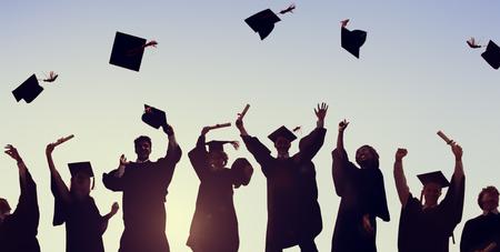 caps: Celebración Educación Graduación Éxito Estudiantil Aprendizaje Concepto Foto de archivo