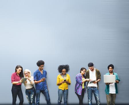 教育の社会的なメディア技術を勉強している学生
