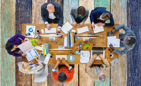 dialogo: Gente de negocios Corporate Meeting planificaci�n concepto Foto de archivo