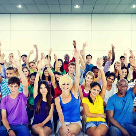 menschenmenge: Gruppe Menschenmenge Zusammenarbeit Suggestion Volunteer Konzept
