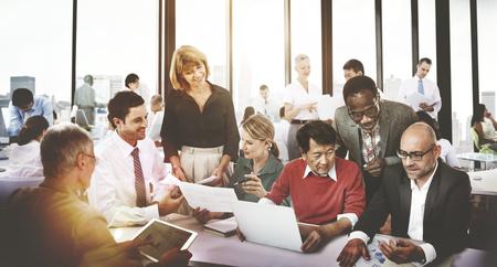 amistad: Gente de negocios Corporate Meeting Amistad Trabajo en equipo Concepto