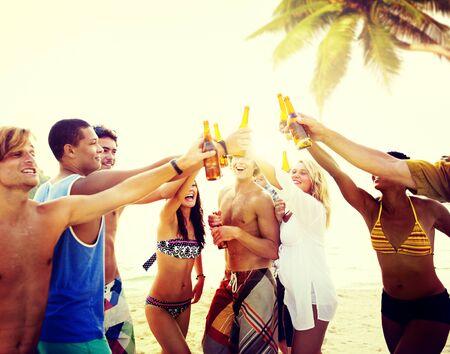 springbreak: Friends Beach Party Drinks Toast Celebration Concept