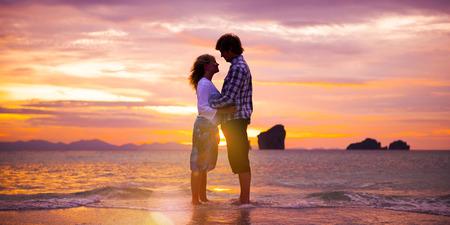 Couple Love Beach Romance Togetherness Concept 版權商用圖片 - 47090885